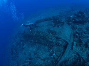 グアムの海底に沈む巨大戦車