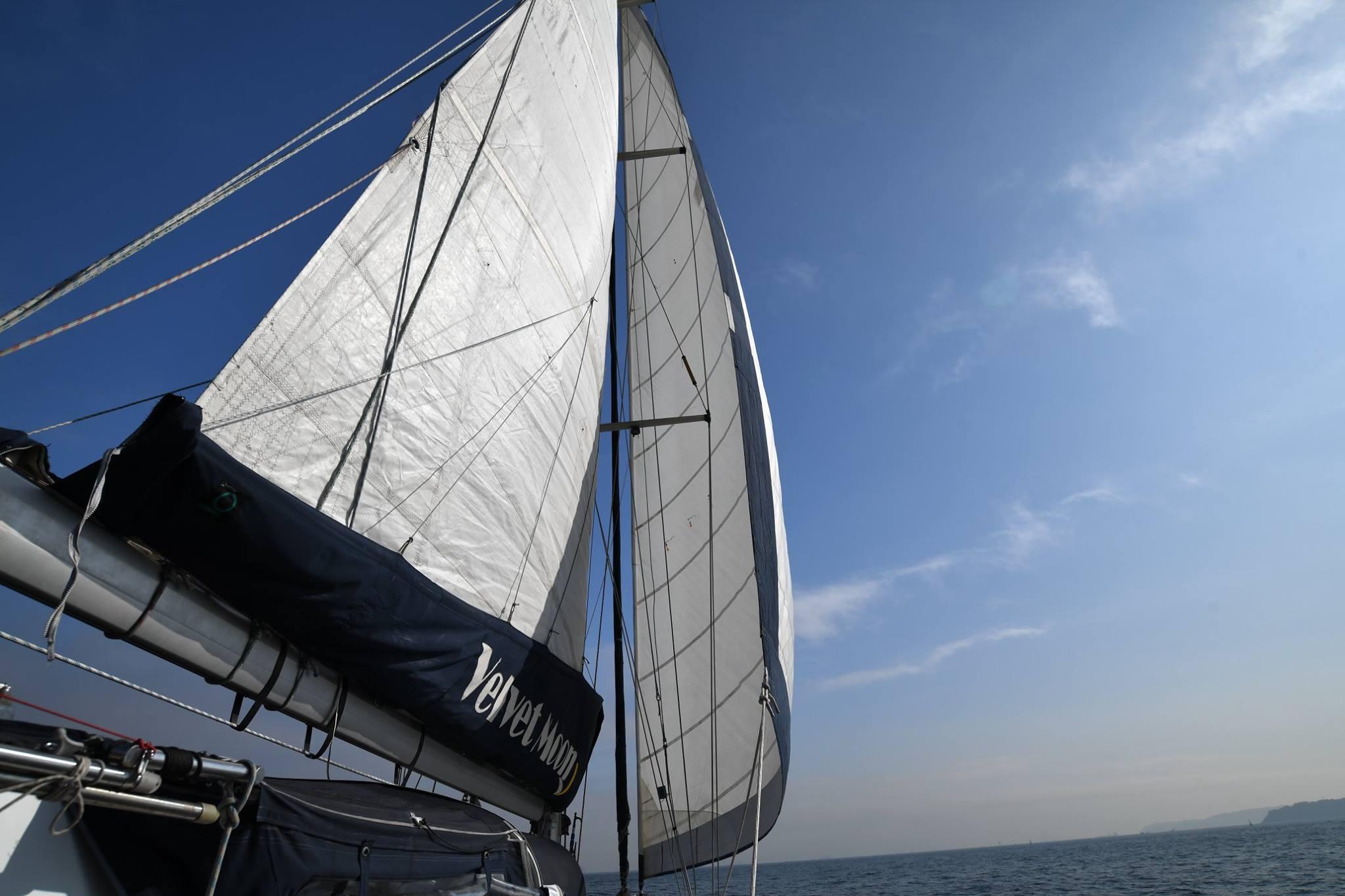 velvetmoon_sail